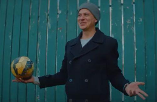 Easy M и фонд «Настенька»: презентация нового клипа о том, что не стоит откладывать мечты